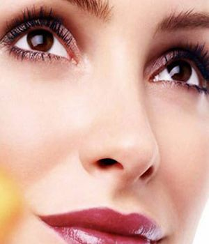 春季护肤指南:迷人魅力 注意护理拥有美丽大眼睛