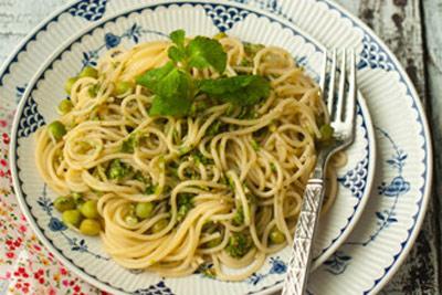 教你制作橄榄油生菜意面